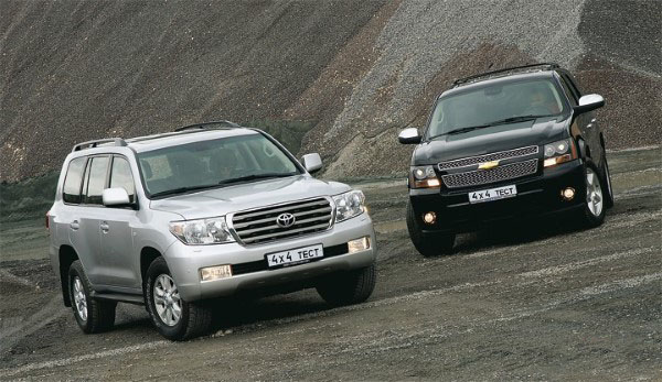 Chevrolet Tahoe 5.3 V8 2008 vs. Toyota Land Cruiser 200 4.7 V8 2008